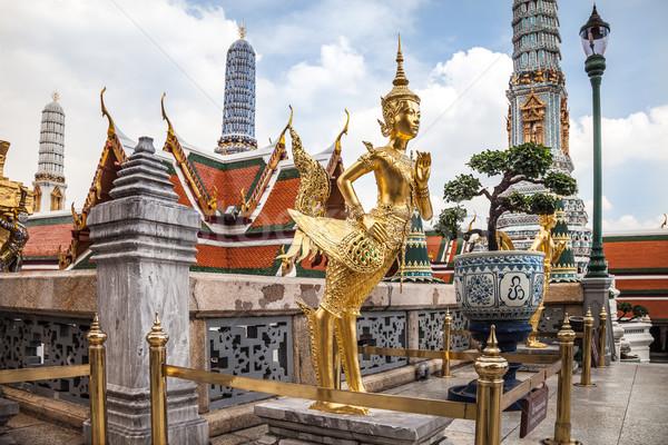 Złoty posąg pałac Bangkok szmaragd Buddy Zdjęcia stock © romitasromala