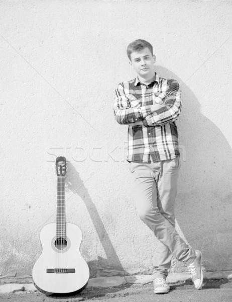 Foto stock: Jovem · homem · bonito · guitarra · modelo · estudante · retrato