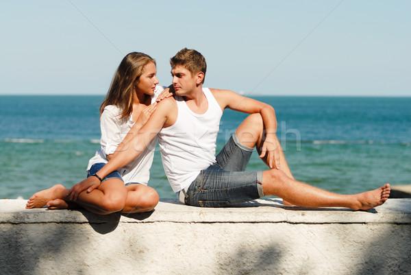 Jovem feliz casal mar costa Foto stock © rosipro