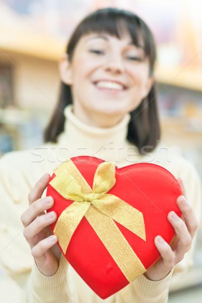 Boldog nő piros ajándék doboz fiatal mosolyog Stock fotó © rosipro