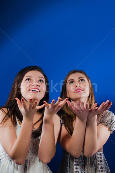 Kettő boldog tini barátok kész zsákmány Stock fotó © rosipro