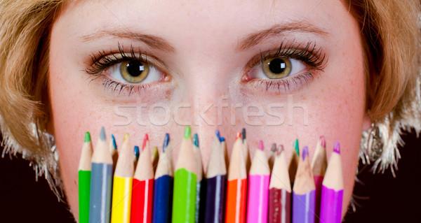 Néz színes ceruzák fiatal zöld szemek nő Stock fotó © rosipro