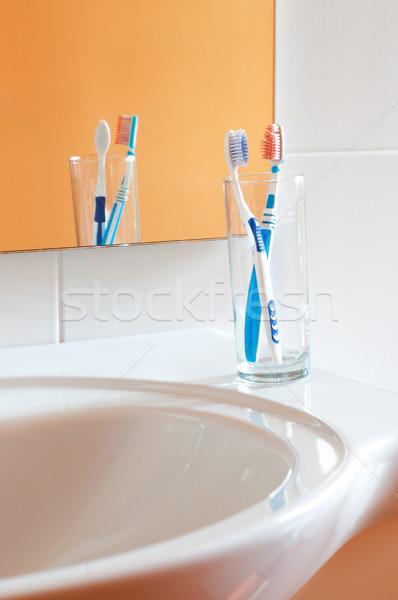Colorido vidro banheiro saúde medicina vermelho Foto stock © rozbyshaka