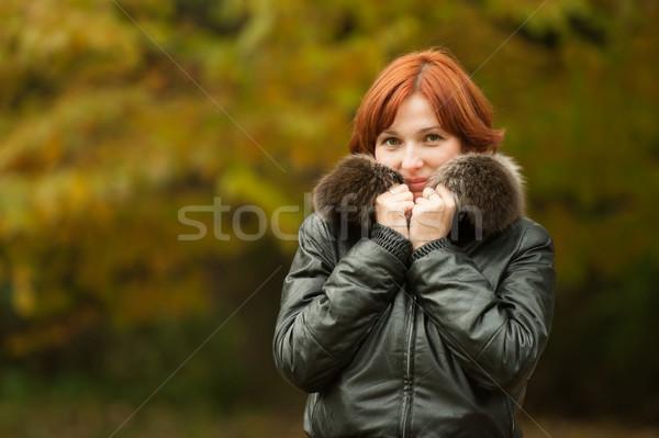 Genç kadın portre sonbahar park ağaç orman Stok fotoğraf © rozbyshaka