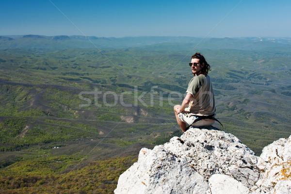 Harmónia természet férfi meditál hegyek szépség Stock fotó © rozbyshaka