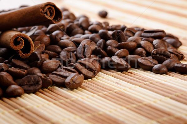 Aromático grãos de café canela comida natureza espaço Foto stock © rozbyshaka