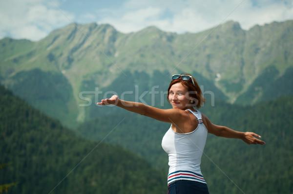 Espaço liberdade belo jovem montanhas madeira Foto stock © rozbyshaka