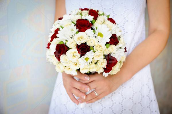 Buquê mãos noiva amor verde Foto stock © rozbyshaka