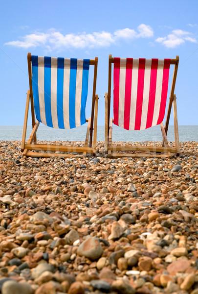 Kettő kavics tengerpart alacsony nézőpont piros Stock fotó © RTimages