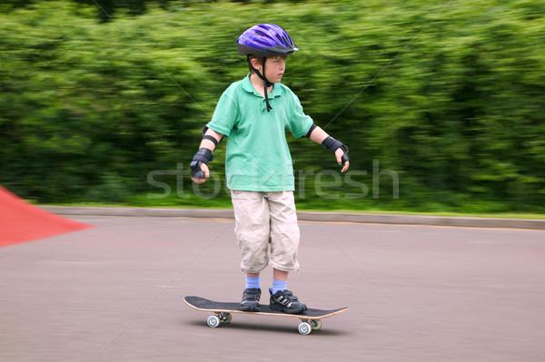 Equitación skateboard jóvenes 7 años nino Foto stock © RTimages