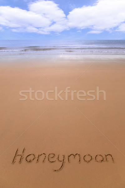 Lune de miel plage écrit sable amour mer Photo stock © RTimages
