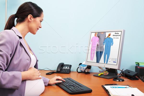 妊娠 女性実業家 オンラインショッピング 写真 オフィス ショッピング ストックフォト © RTimages