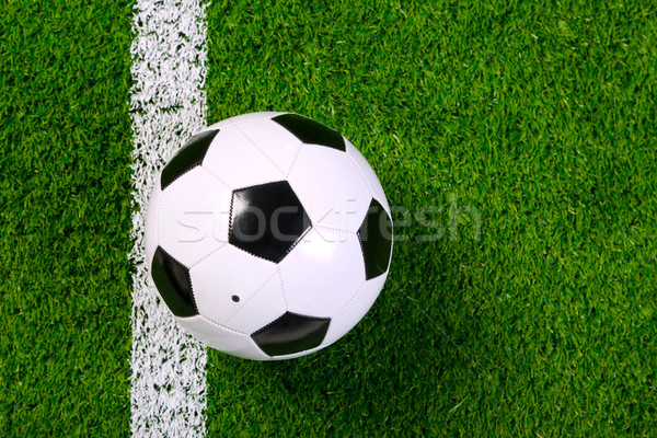 Football herbe au-dessus photo cuir ballon Photo stock © RTimages