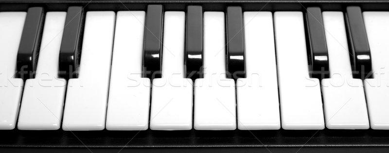 Tasti del pianoforte elettrici organo tastiera piano nero Foto d'archivio © RTimages