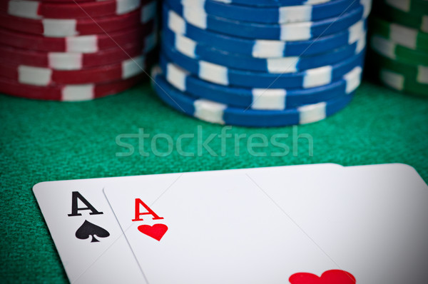 Paire poker table main Photo stock © ruigsantos