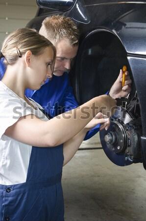 Stok fotoğraf: Stajyer · garaj · temizlik · kadın · mekanik · araba