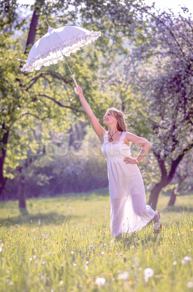 Stok fotoğraf: şemsiye · genç · güzel · kız · ayakta · gün · batımı