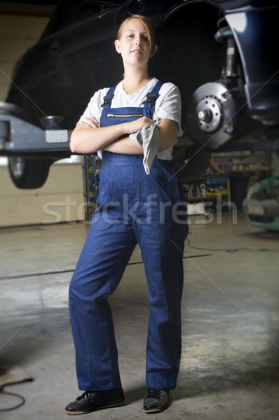 研修生 ガレージ 見える 誇りに思う 女性 ストックフォト © runzelkorn