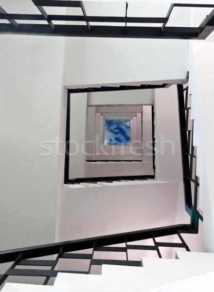 Сток-фото: винтовая · лестница · вверх · квадратный · небе · здании · домой