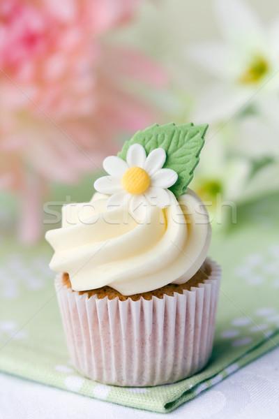 Stock photo: Daisy cupcake