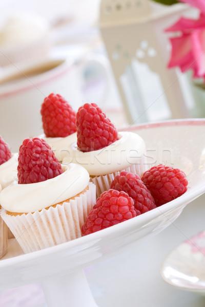 Chá da tarde mini framboesas creme rosa Foto stock © RuthBlack