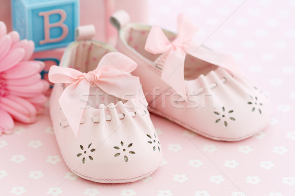 Babacipők rózsaszín kislány cipők ruházat zuhany Stock fotó © RuthBlack
