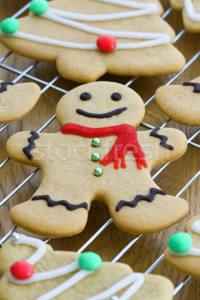 Gingerbread man fil refroidissement rack sourire homme Photo stock © RuthBlack
