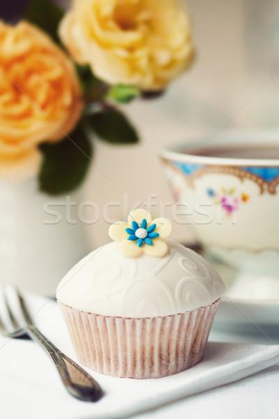 Délutáni tea felszolgált gurmé minitorta virág torta Stock fotó © RuthBlack