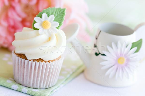 Daisy décoré sucre fleur fleurs Photo stock © RuthBlack