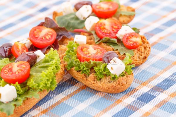 Sanduíches legumes azeitonas colorido toalha de mesa Foto stock © ruzanna
