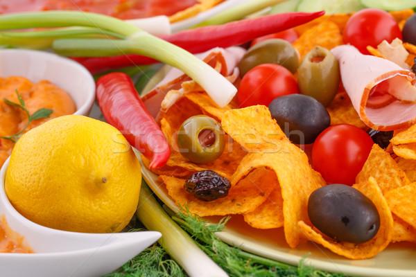 Stock fotó: Nachos · olajbogyók · disznóhús · vesepecsenye · zöldségek · kép