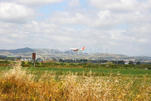 Avion champs Chypre herbe paysage domaine Photo stock © ruzanna