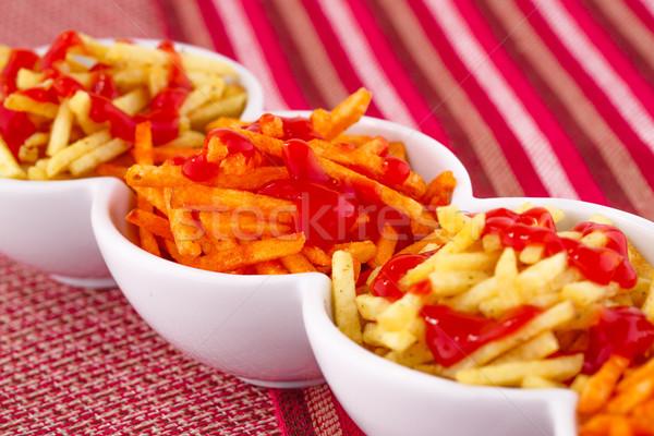 Kartoffelchips Ketchup isoliert farbenreich Tischdecke Hintergrund Stock foto © ruzanna