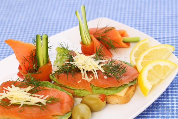サンドイッチ 鮭 チーズ レタス ハーブ プレート ストックフォト © ruzanna