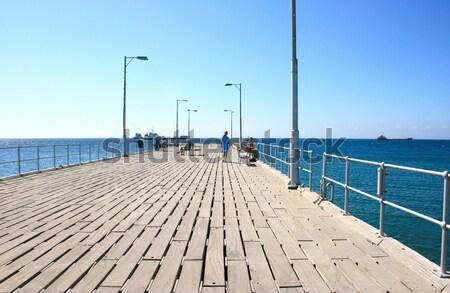 Zdjęcia stock: Ludzi · molo · morze · Śródziemne · morza · chmury · charakter