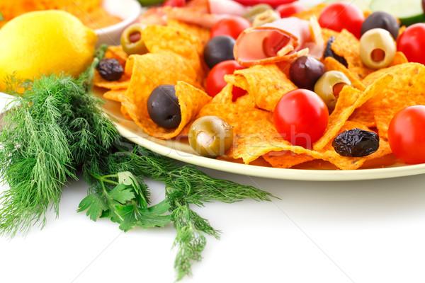 Nachos olajbogyók disznóhús vesepecsenye zöldségek kép Stock fotó © ruzanna
