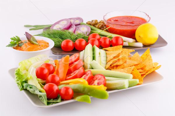 Foto d'archivio: Verdura · olive · nachos · rosso · formaggio · sfondo