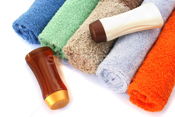 Handdoeken shampoo flessen kleurrijk witte strand Stockfoto © ruzanna