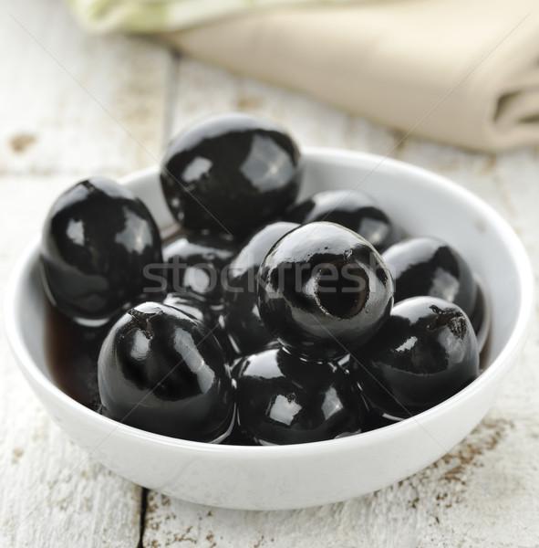 Siyah zeytin beyaz ahşap meyve sebze çanak Stok fotoğraf © saddako2