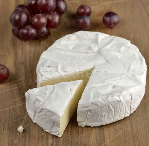 Brie voedsel vruchten druif Stockfoto © saddako2