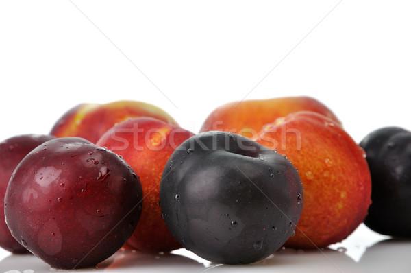 Szilva őszibarackok lédús fehér gyümölcs desszert Stock fotó © saddako2