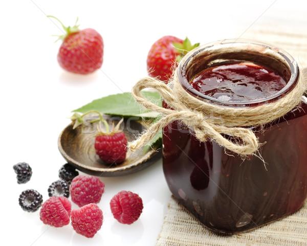 Jar jam fresche frutti di bosco fragola dessert Foto d'archivio © saddako2