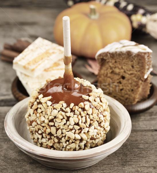 Halloween csemegék karamell alma kukorica ősz Stock fotó © saddako2