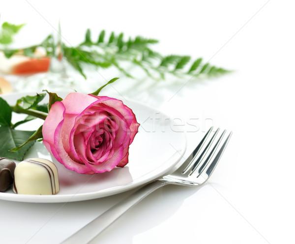 Rose bonbons plaque chocolat blanche Photo stock © saddako2