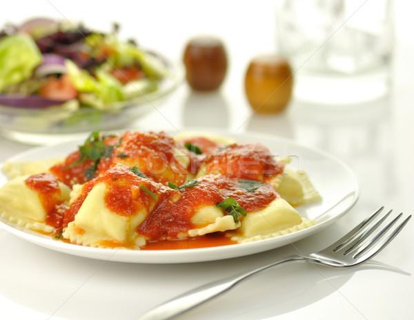Ravioli pasta Rood tomatensaus kaas plaat Stockfoto © saddako2