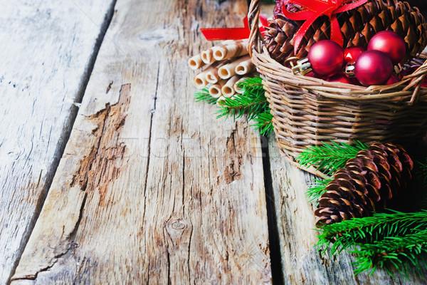 Noel süslemeleri kurabiye sepet ahşap kış Stok fotoğraf © saharosa
