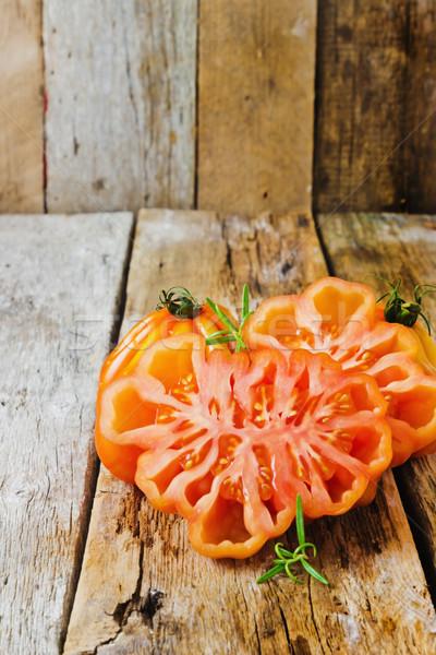 Maduro tomate insólito forma edad Foto stock © saharosa