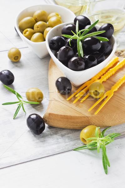 здоровое питание оливками кегли оливкового масла разделочная доска Сток-фото © saharosa