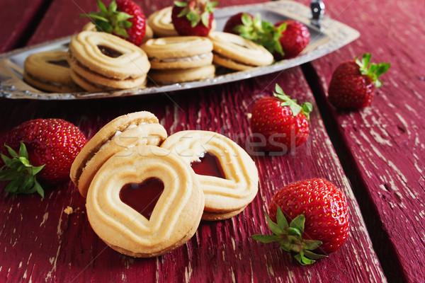 Süß Valentinsdag Cookies Erdbeere Holz Stock foto © saharosa