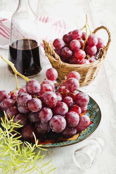 зрелый виноград вино бутылку винограда Сток-фото © saharosa